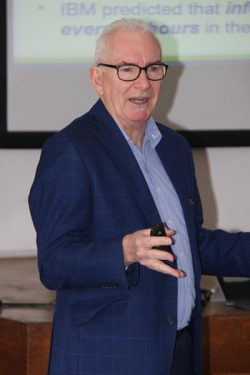 Picture of Geoff Prior delivering productivity training